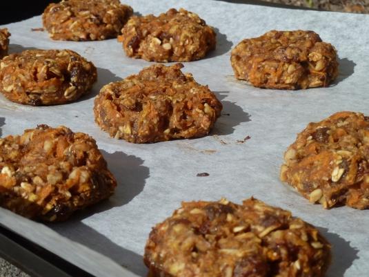 Vegan Carrot Walnut Cookies