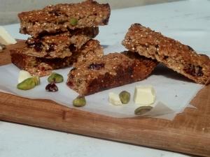 Soft Chewy Quinoa Oat Bars
