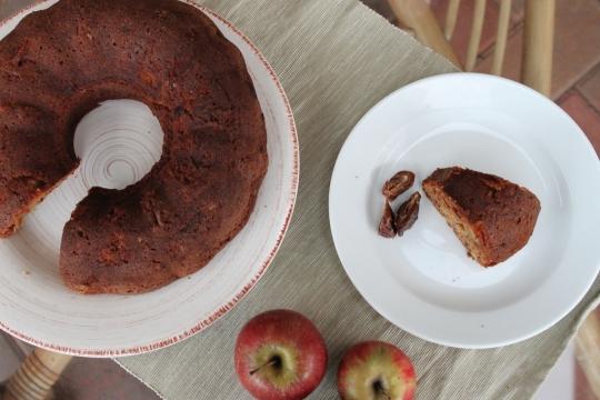 Granny Brampton's Apple & Date Cake